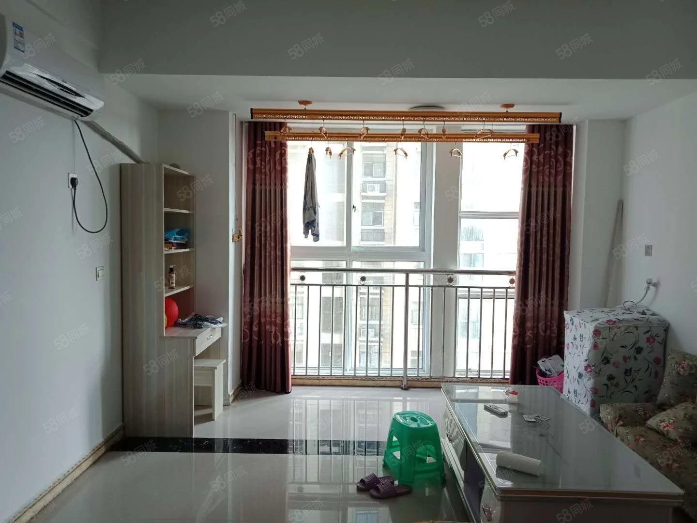 名门尚居简装小公寓家具家电齐全拎包入住欢迎致电