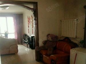 此房位于富民小区两室两厅一卫简单装修手续齐全........