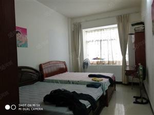 金港湾楼上东南向168方5房精装售价120万