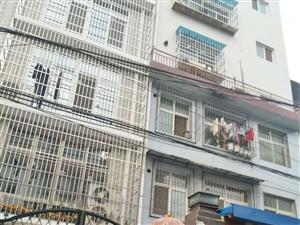 自己修的6层小洋楼自己住还可以出售