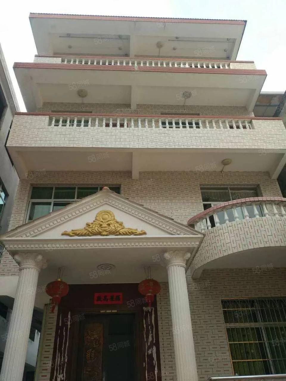 驷马桥栋房出售,占地88平方米,前面花圃60平方米