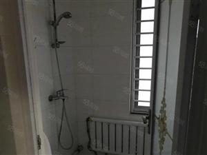 辰轩2楼128平家具家电齐全租18000元一年