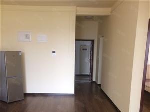 福星城精装2室2厅房出租交通便利