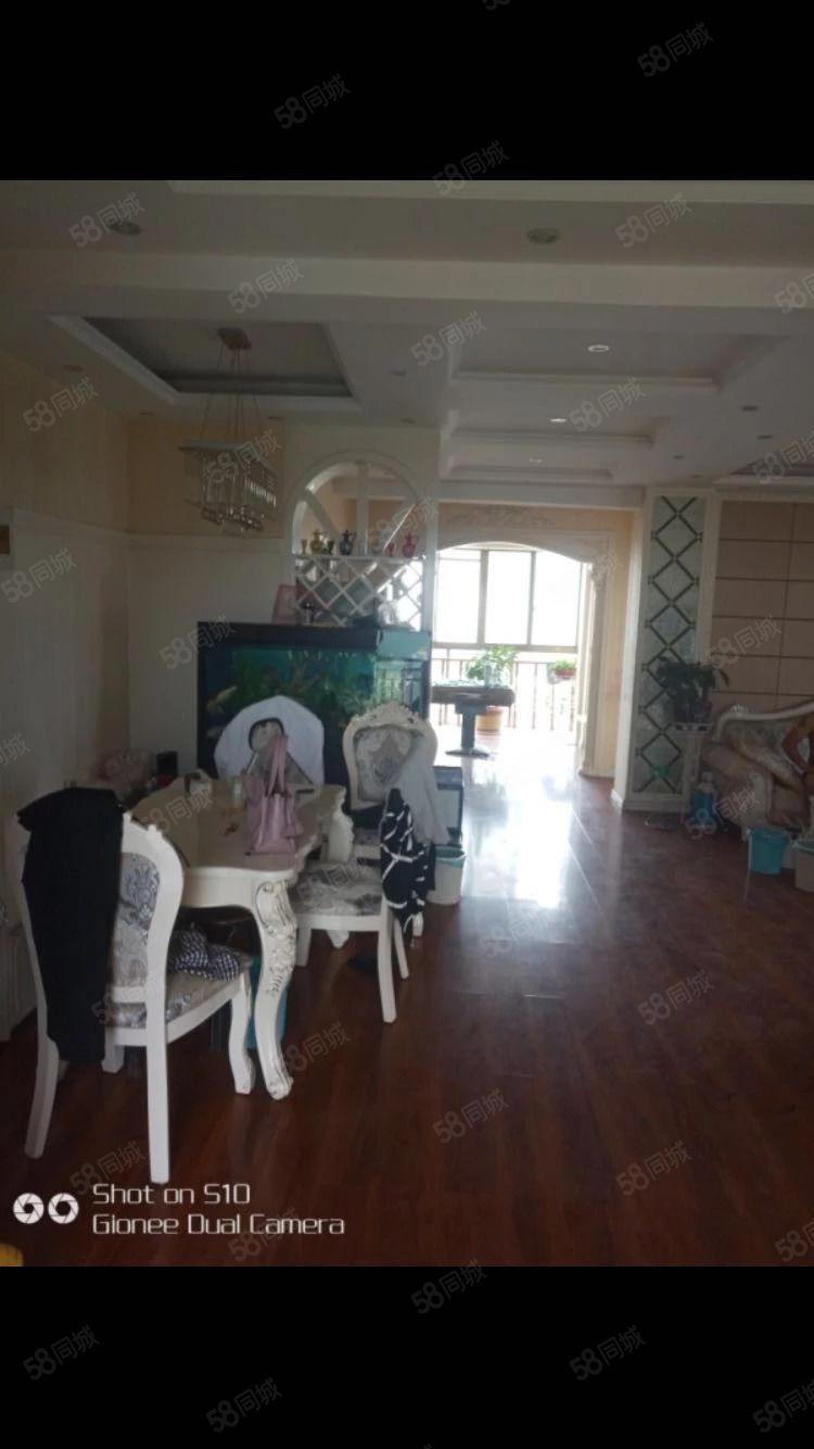 急售海岸129平10东边户观景房三室两厅两卫豪装修