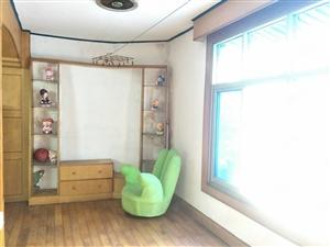 团结路小学附近三室二厅二楼出售实际面积100平