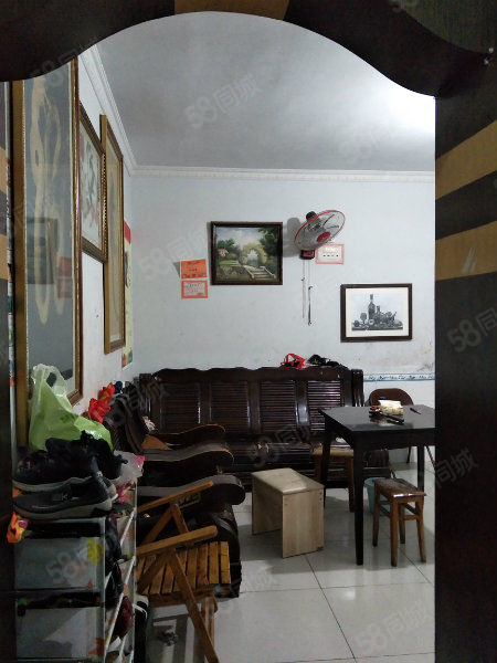富安小区,3室一厅,买一赠一出行方便