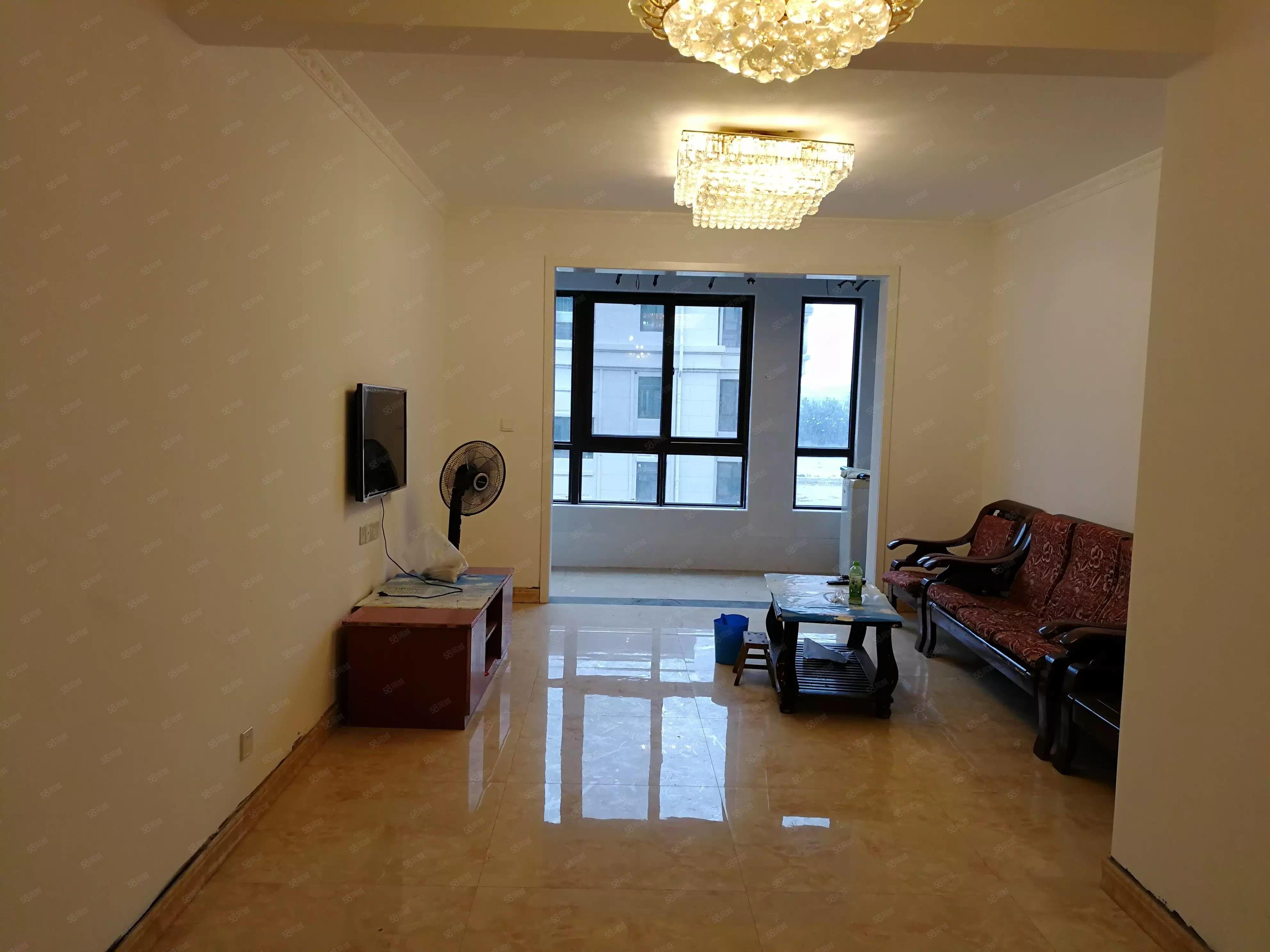富田兴和苑简装三房本人有大量优质房源随时看房