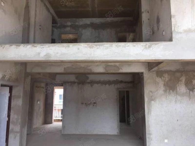 上海路旁金色碧海4跃5复试楼毛坯现房带一个27平米的车库急售