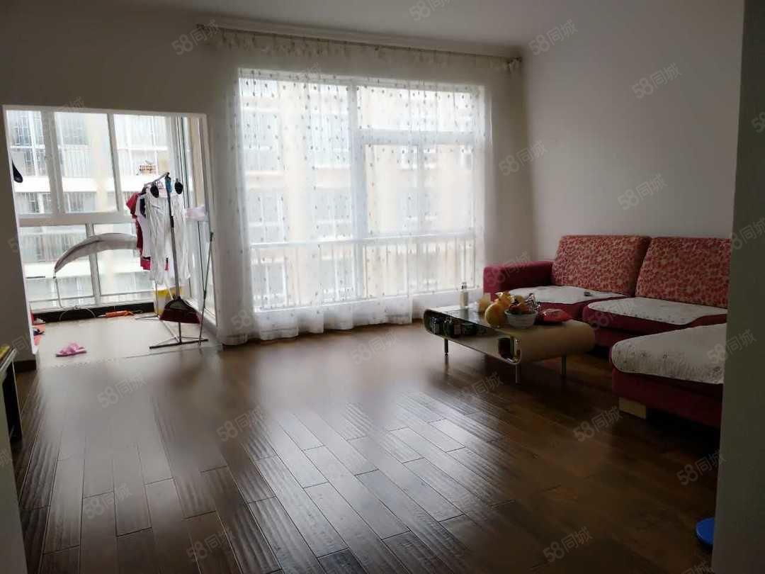 金鹏世纪五大中心旁世纪天骄适中楼层3居室双证在手满2年