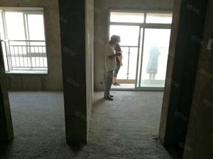 龙凤小区出售,86平方大户型毛坯房,两室两厅两卫