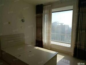 胜宏美居两室一厅一卫。家具齐全。