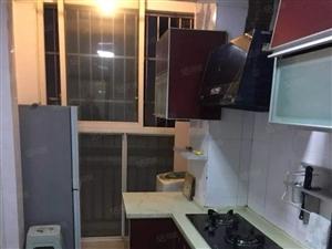 清江半岛三室两厅精装修,拎包入住,小区环境优美