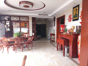 东阳街,五室二厅,三卫一厨,电梯精装房,直接过户,