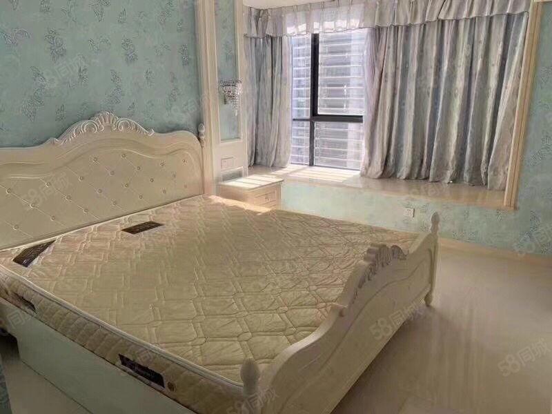 榕东新城新装修雅房高档小区欧式风格三房二月仅4000