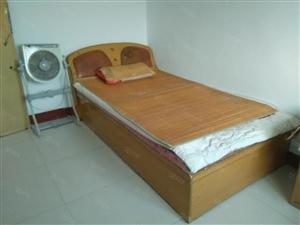 光明新村新装修3室1厅水电煤暖齐全,随时看房