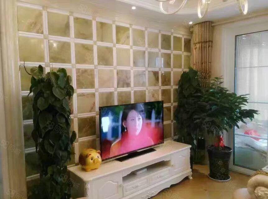 东风路豪装大两室,家具家电全配,品质小区,必须全款,可小刀