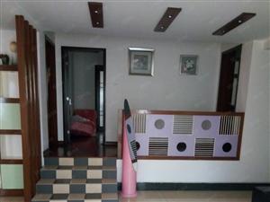 华府家园三楼精装三室两厅出租