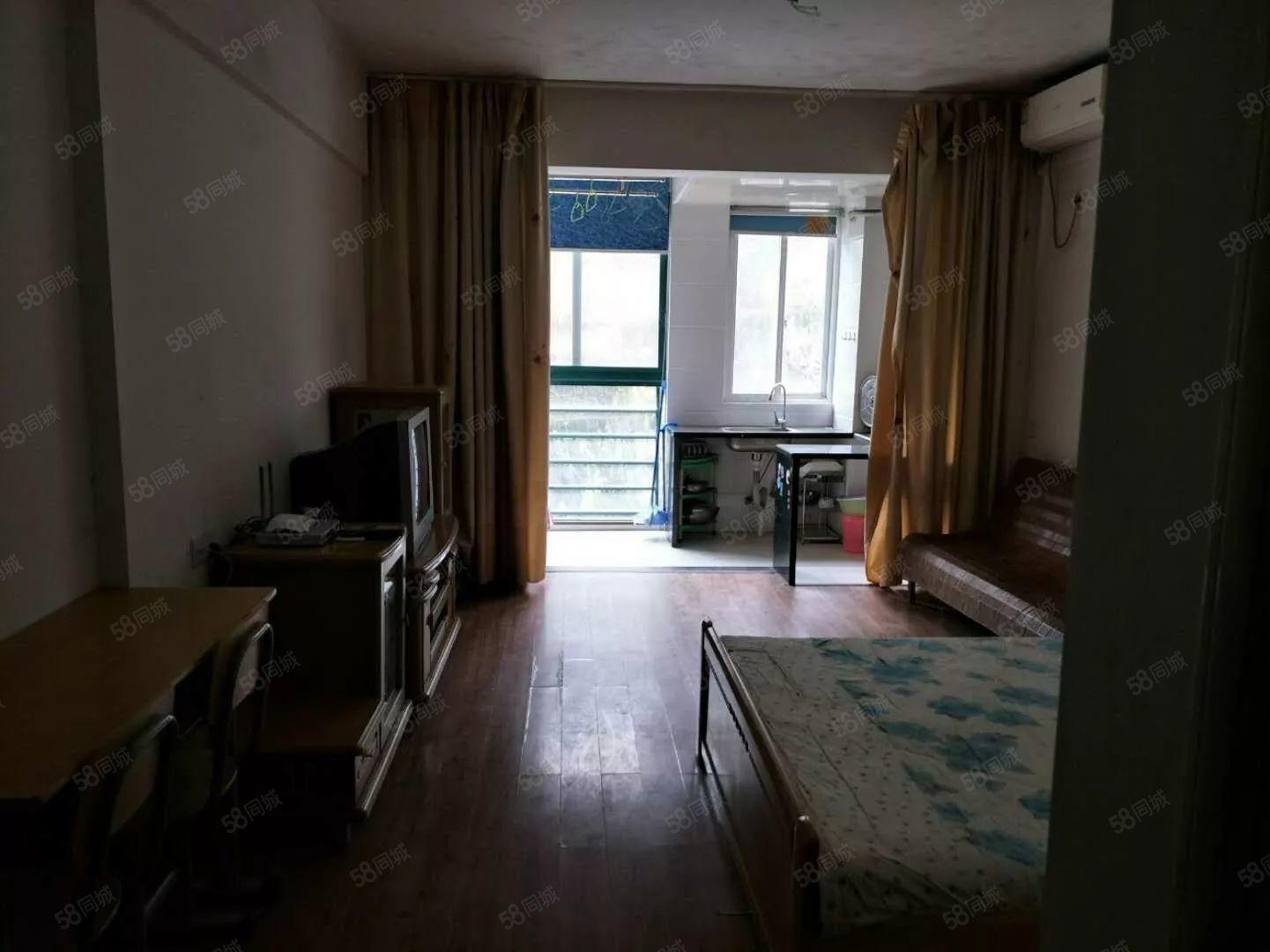 金域兰湾单身公寓出租房子他不会看房有钥匙