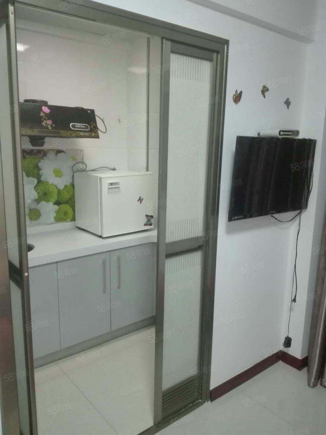 丽人公寓,31平1室,家具家电齐全,年租1.1万包物业费!