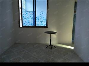 澳门网上投注网站交警大队旁一楼三室一厅有空调和热水器