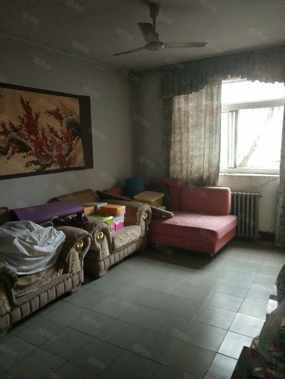 (世纪大道)妇幼保健院对面l两室(月租800)