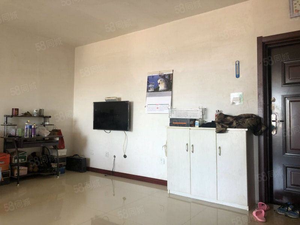 宏业枫桦三阳64平米,售价24万。