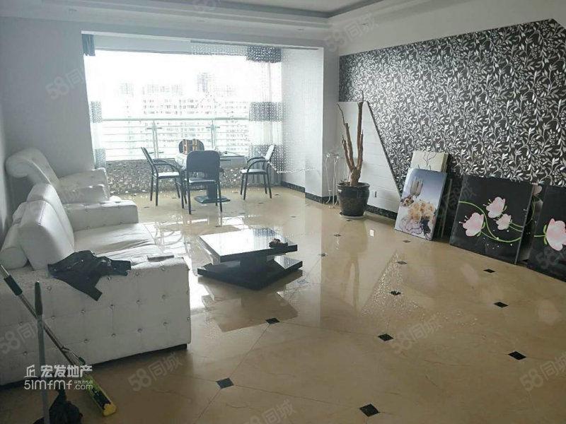 玉溪二小区150平3室两厅两卫精装修