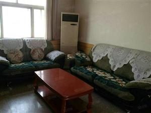 徐州路小区套三,精装家具家电齐全拎包入住,干净卫生。