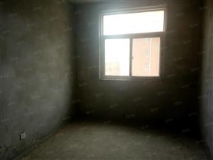 聚豪华庭,稀有房源,三室两厅两卫,须全款不能按揭
