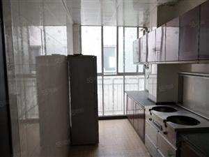清江半岛高层两室两厅,精装修,两证齐全