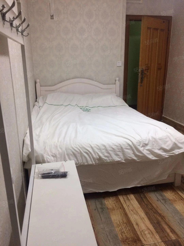 老城区大碑巷酒店式公寓一室带厕所可短租可押一付一