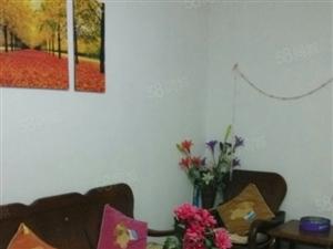 市中心太隔小区4楼舒适两居室生活方便快捷诚心出售
