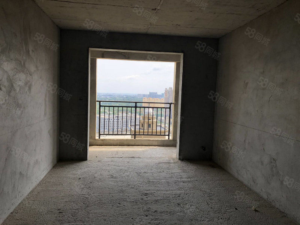 凯旋城毛坯两房可按揭欢迎看房