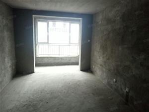 凯旋城,毛坯房,南北通透,三层不遮阳,可顶名还贷24万左右。