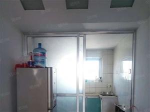 泰山现代城电梯房8楼2室2厅简装,带储藏间