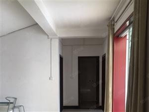 富博三室顶层有分证临近西广场