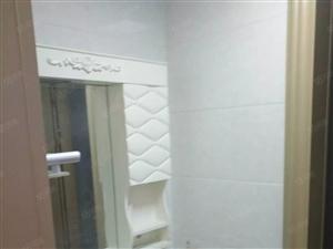 鸿顺官邸一期现房137平月租1600,精装修好楼层前排