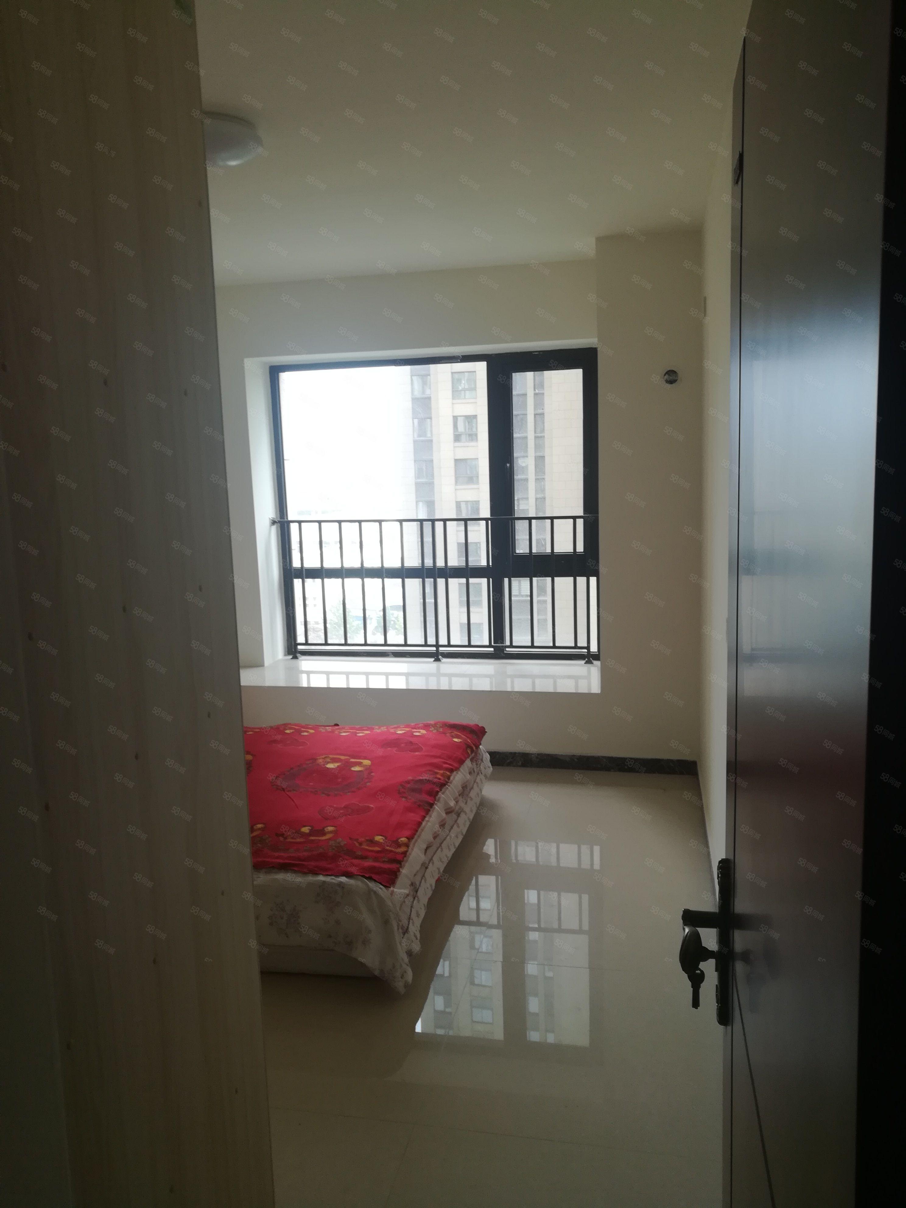 升龙地铁口学校旁三室安置房售价60万无差额欢迎看