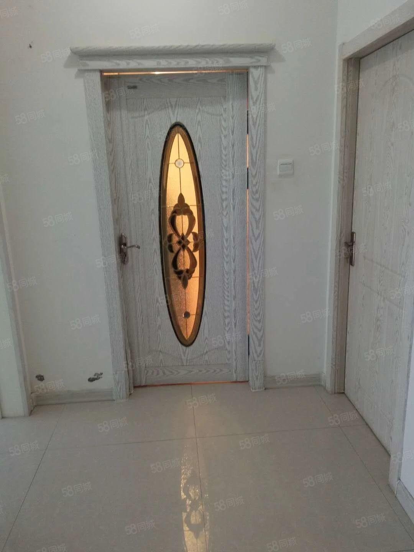 七中附近《华德秀府》,《多层2楼》,两室一厅出租。