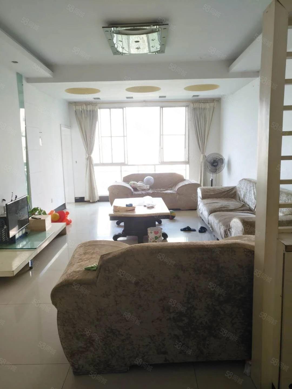 城市花园5楼4室2厅2卫拎包入住