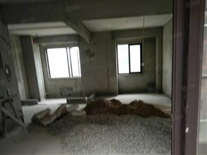 市中心繁华地段冠宏星4房设计房屋方正采光到位可遇不可求