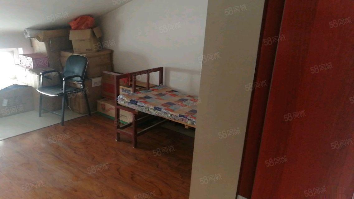 中华西路《枫景苑》简装1室送露天阳台