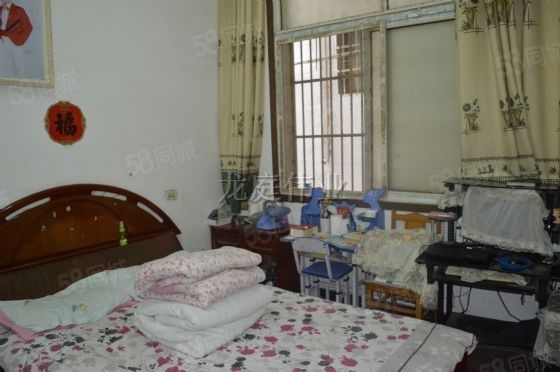 涡阳城西涡楚河西侧12层3室家具、家电齐全