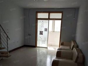 温馨家园5楼送阁楼,车库10多平。性价比超高。售价35万