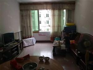 泸县花园干道3室2厅2卫住房出售!