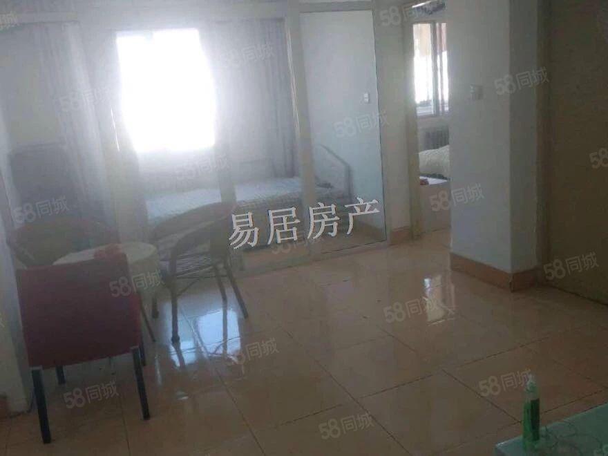 出租罗玉小区顶层3室1厅1卫简单装修拎包入住
