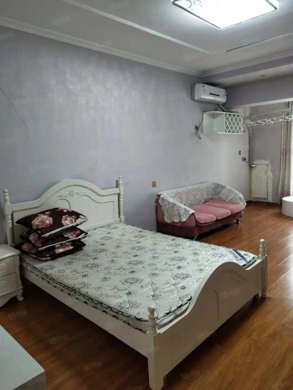 金博大西塔简欧风一居室家电齐全拎包入住随时看房