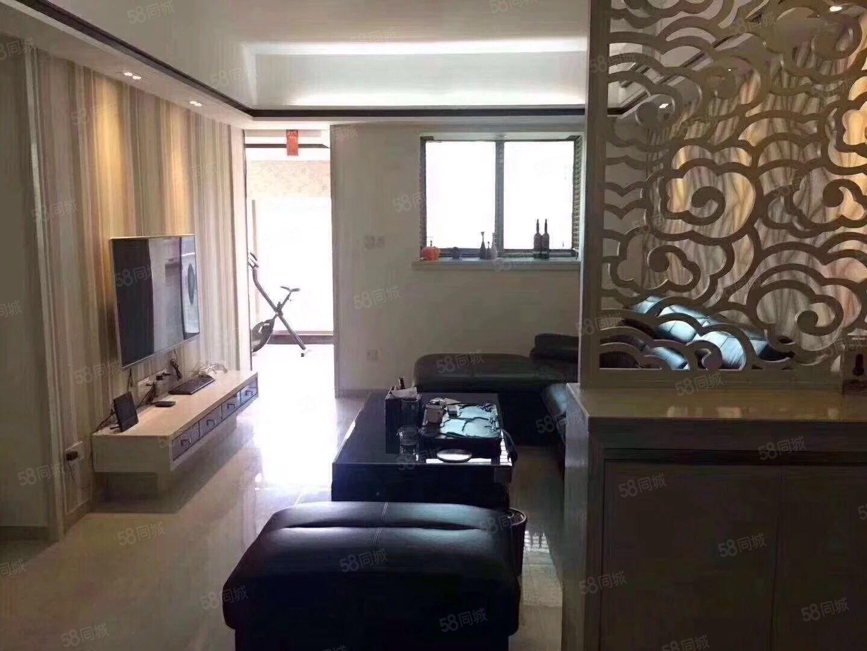 绿榕湖畔11楼3房2厅家电齐全月租3300元