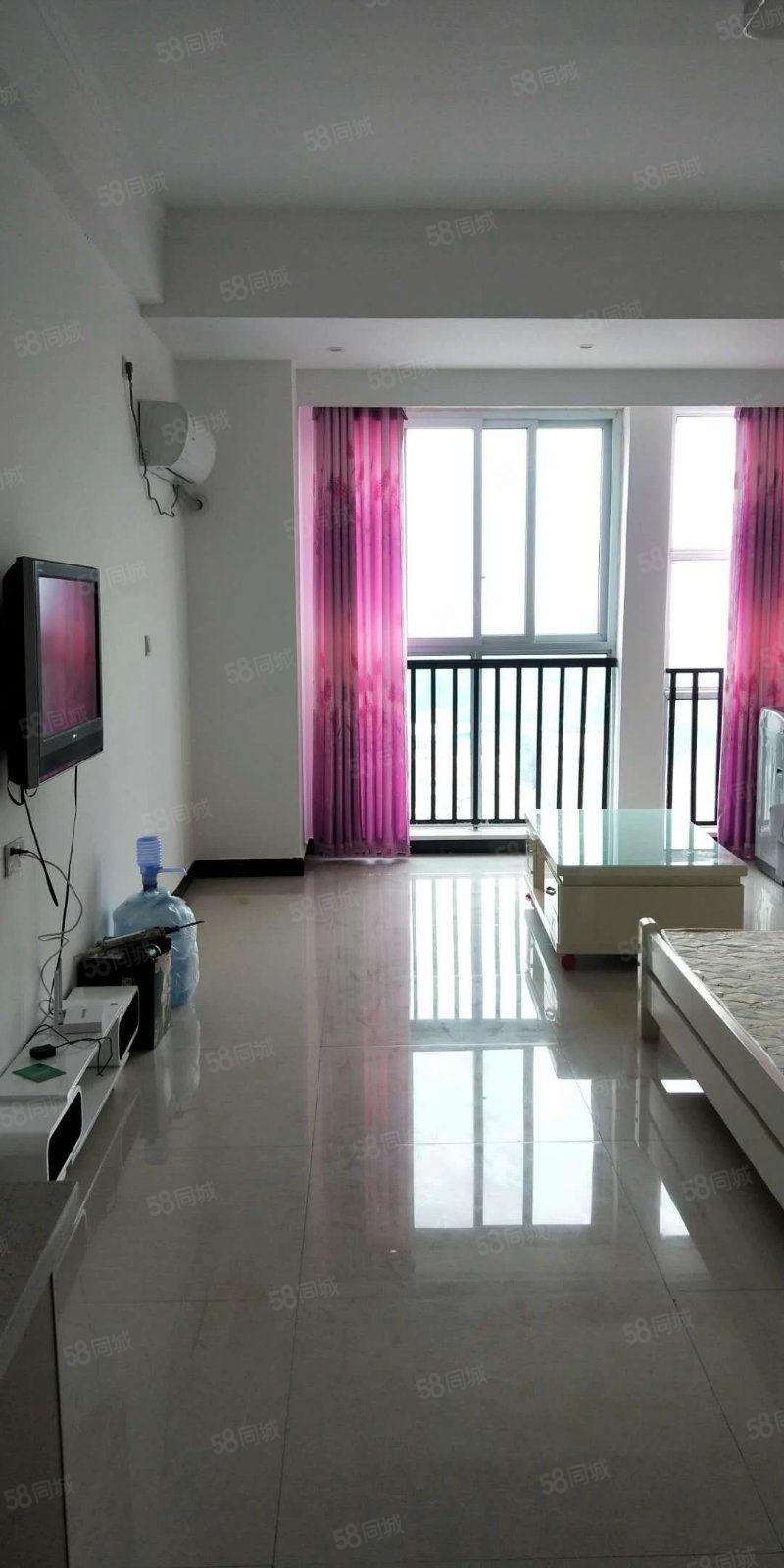 名门尚居简装小公寓家具家电齐全拎包入住随时看房