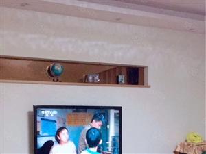 0建材城小区4楼148平3室2厅精装修带家电拎包入住售48万